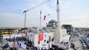 Ömer Öztürk Camii İbadete Açıldı
