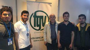 Prof. Dr. Ahmet Şimşirgil Fatih Gençlik Vakfı standını ziyaret etti